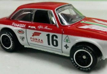 Les premières images de l'Alfa Romeo Giulia de la série Forza Retro Entertainment