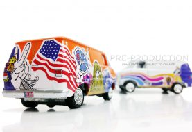 Deux nouveaux Boogie Vans chez Johnny Lightning