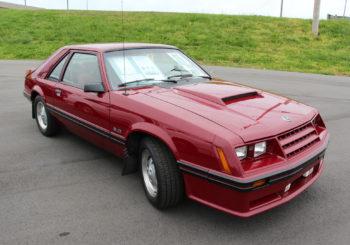 Des Ford Mustang GT de 1982 arrivent chez Johnny Lightning